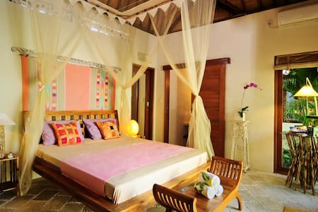 Cozy Private Bungalow in Seminyak