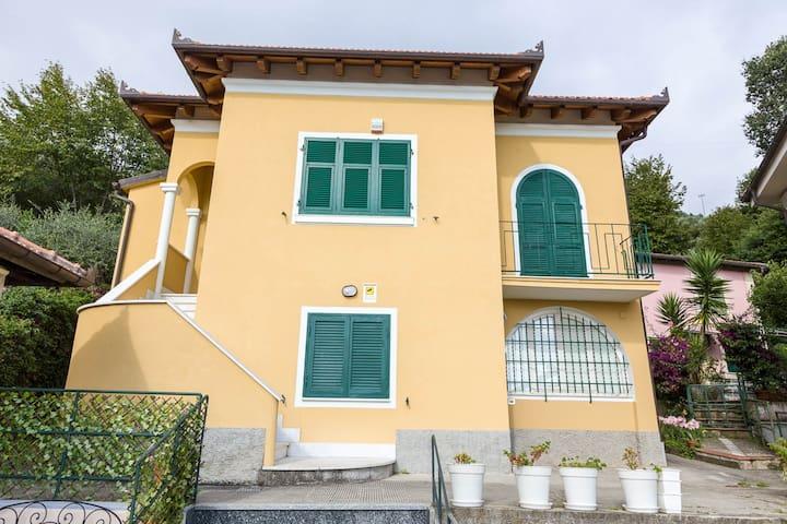 Villa Giulia - Lavagna - Talo