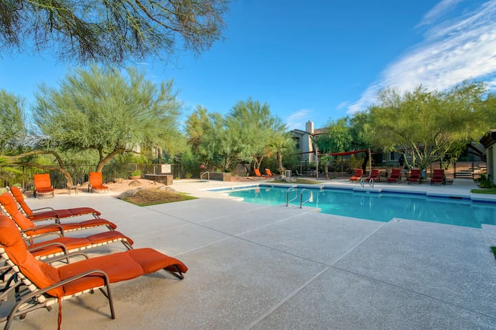 2-BR Scottsdale Condo at McDowell Mountain