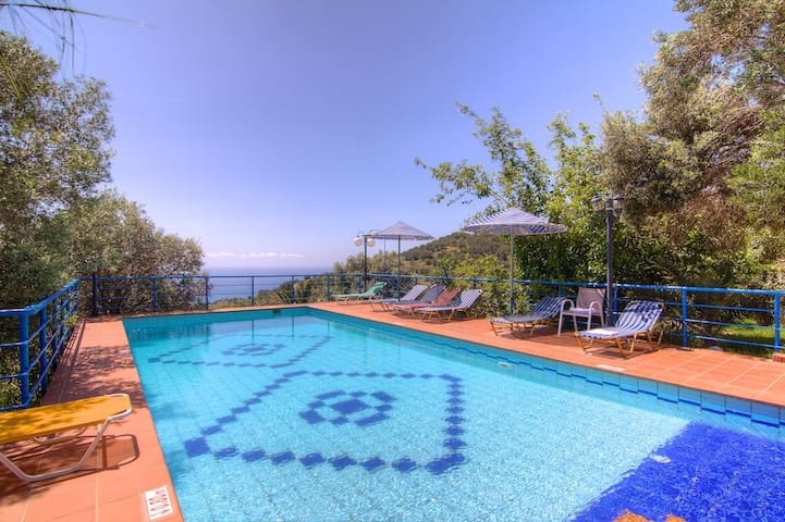 A Beautiful villa close to beaches