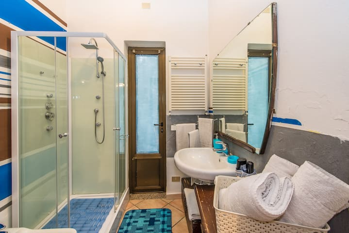 .Blue triple room with private bathroom. - Bergamo - Bed & Breakfast
