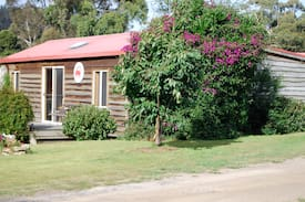 Picture of Beach Cottage in the heart of Coles