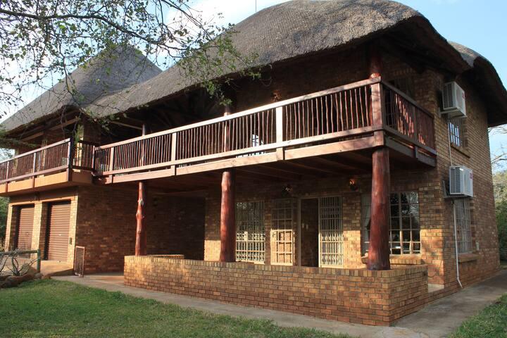 Cosy bush house near the Kruger Park