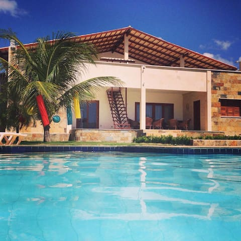 Beautiful villa near the ocean