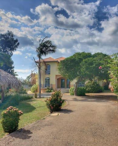 Seaside Villa - First Floor Guest Rooms