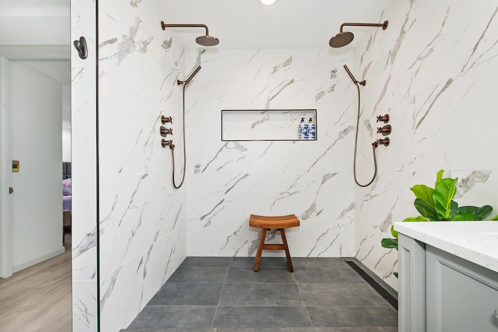 Our luxurious double shower.