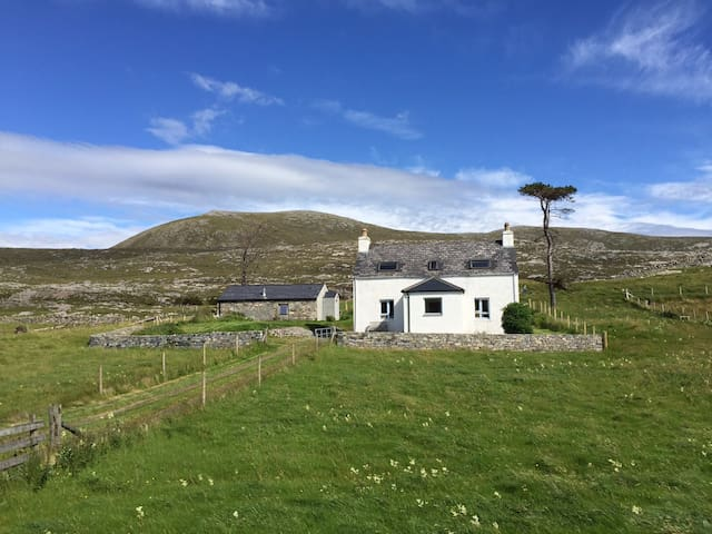 Seaside House (Crofters Cottage by the Sea) - Luskentyre - Hus