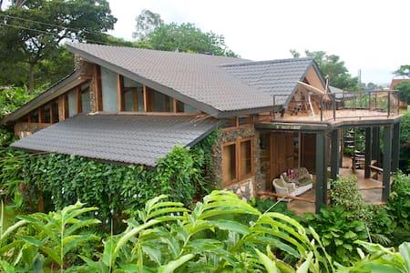 Lakeside Lodge, Nile Crescent - Jinja - Huis