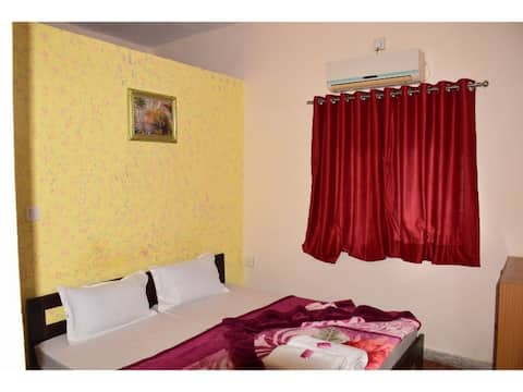 Hotel Narayan Villa-Deluxe AC Room- Mount Abu