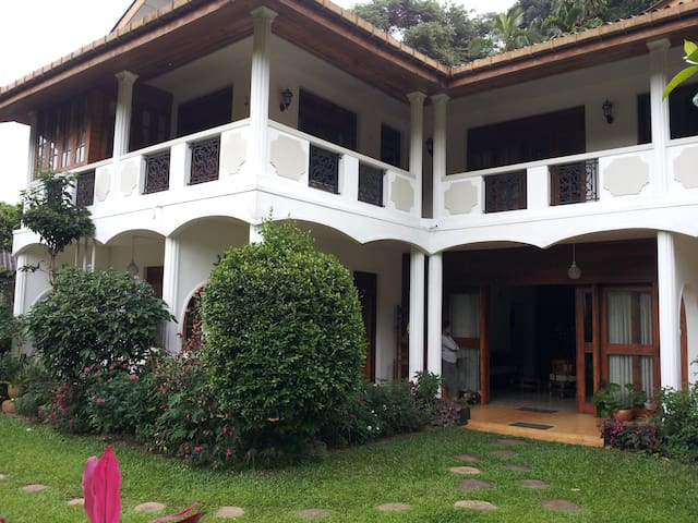 Pushpas Home - Peradeniya - Huis