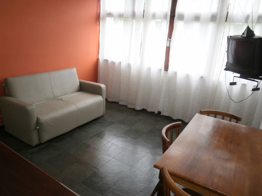 Dinning / Livingroom with sofabed