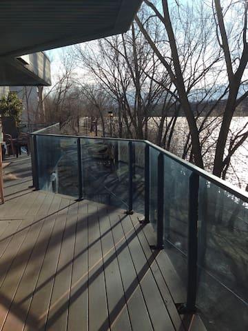 Fantastic view on the River - Montreal - Apartamento