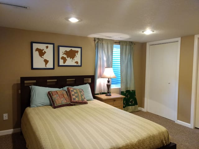 Clark Street Suite