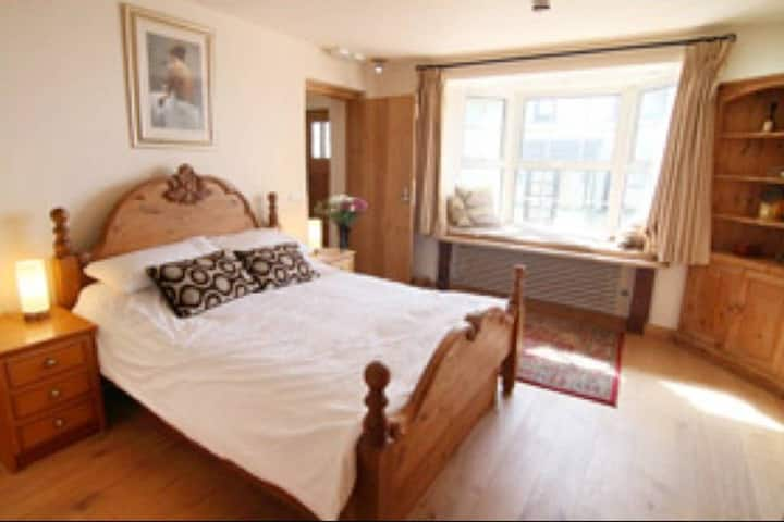 Baggy Lodge - En-Suite Double Room
