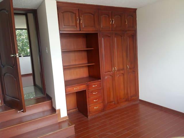 Arriendo habitacion en departamento duplex
