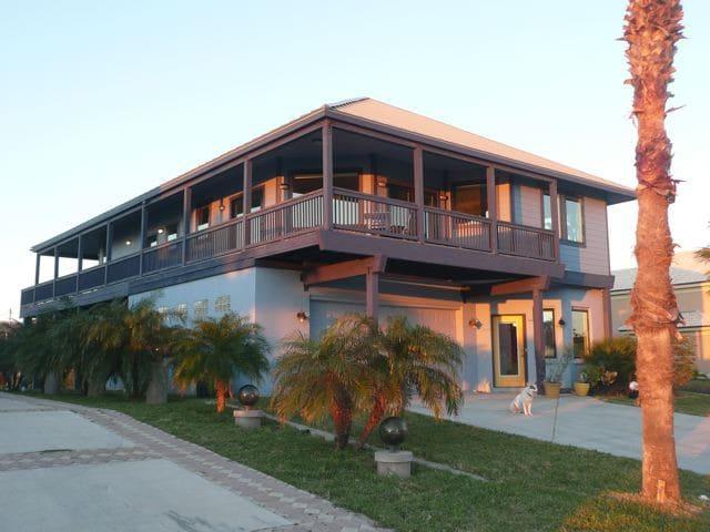 Big Blue Beach House - South Padre Island - Dom