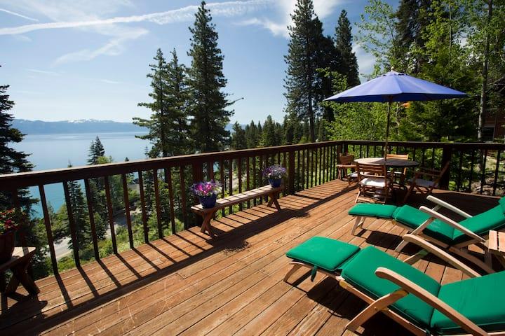 Eagles Perch Lake View Cabin - Pet Friendly