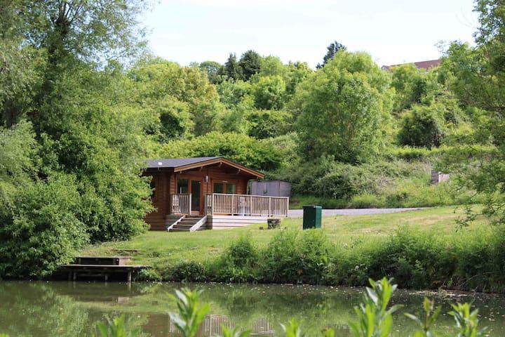 Lakeside Kingfisher Lodge - Viaduct Fishery