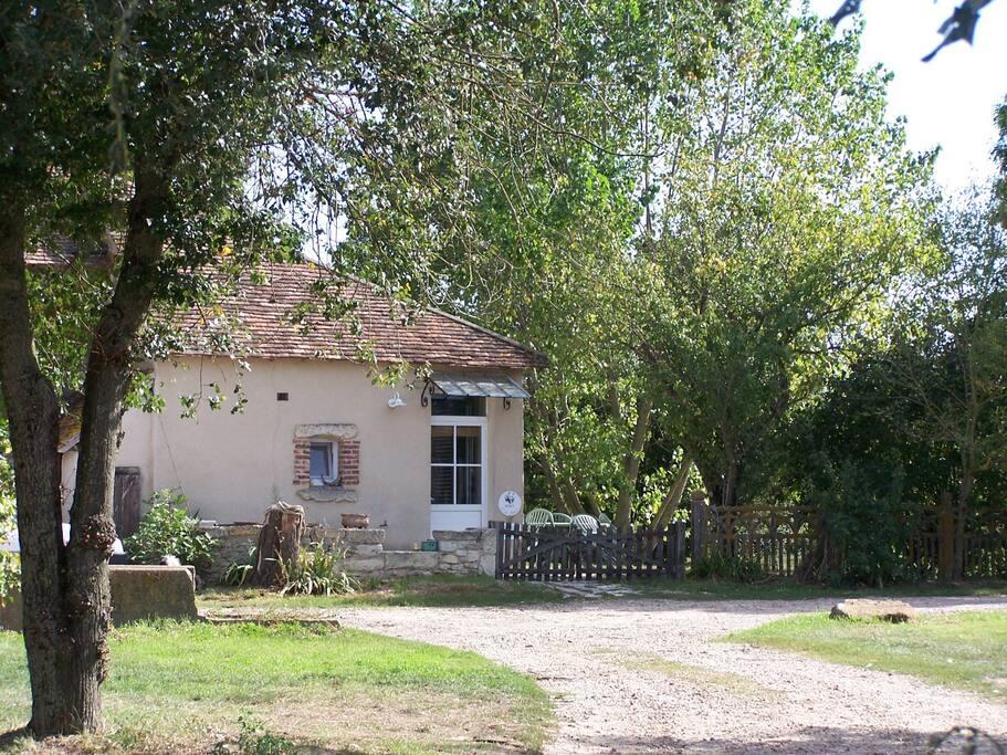 des vacances originales la ferme houses for rent in tournon saint martin centre france. Black Bedroom Furniture Sets. Home Design Ideas