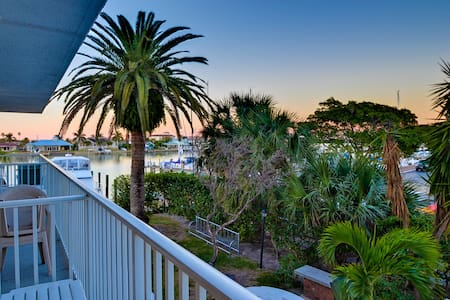 Bayside Condos 17 - Clearwater
