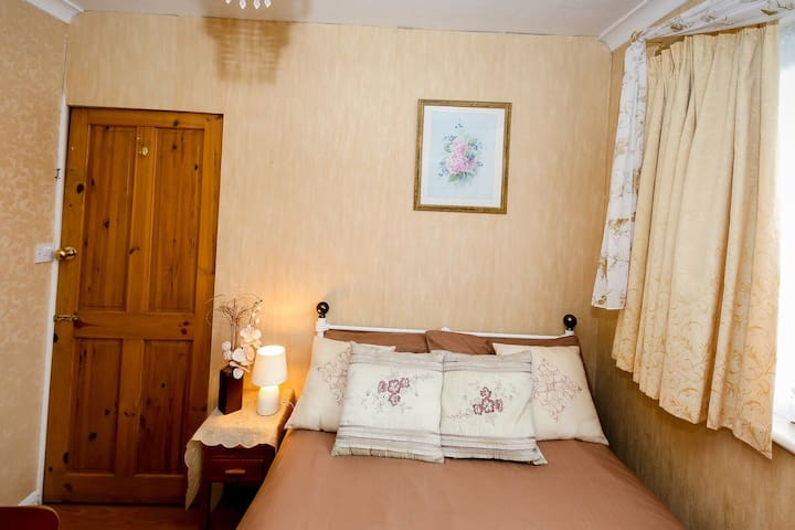 Lovely, Comfi and Cozy room for two