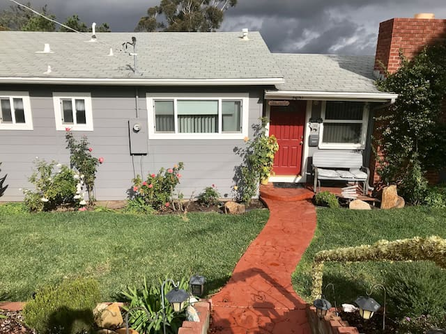 Lovely 3 bedroom home in La Mesa, San Diego, Ca.