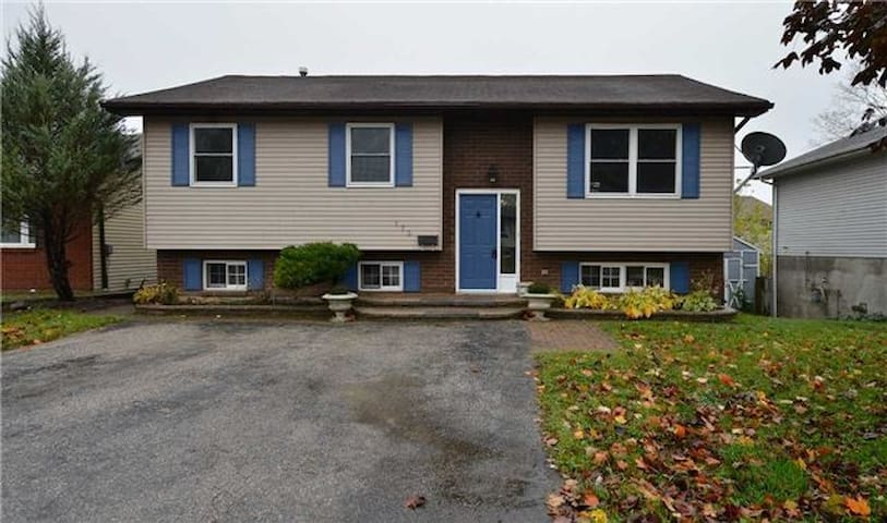 Family Home steps From lake Simcoe