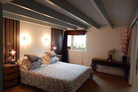 Chambre privative dans loft - Plougastel-Daoulas