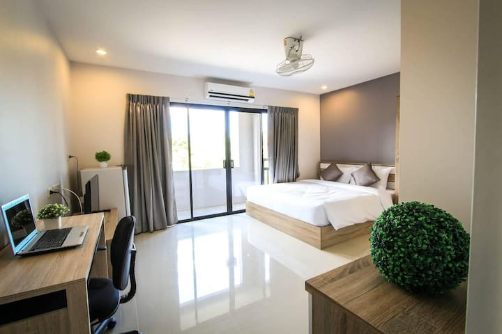 Comfortable Double Room free wifi@VipaHouseChalong
