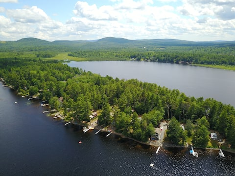 Lakefront Scott Point Retreat on Chemo Pond