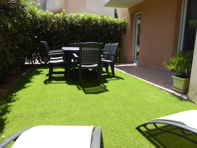 Beau 3 pièces 60 m² avec piscine et jardin