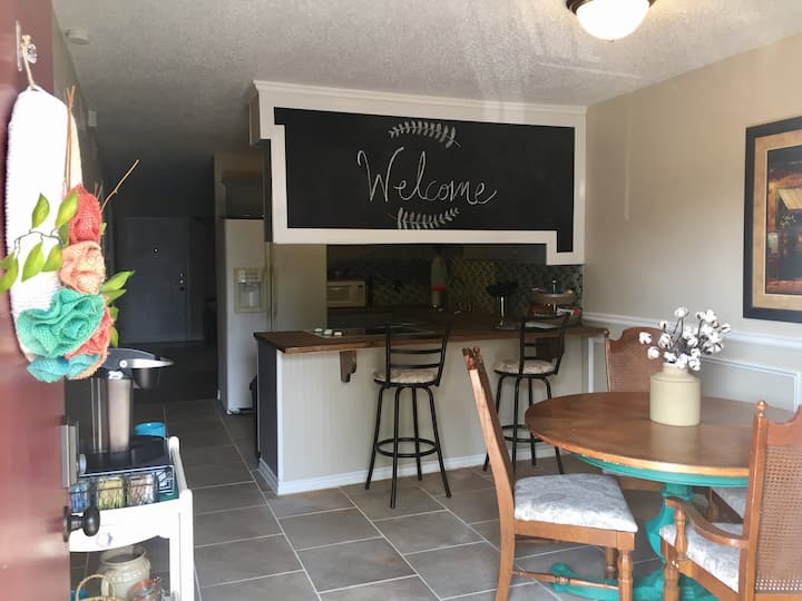 Adorable condo near Baylor/Magnolia Table/Silos