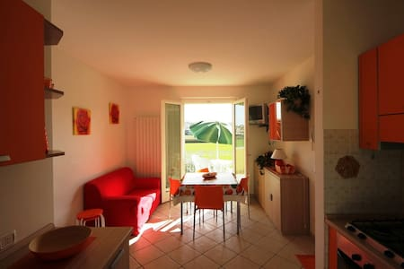 Delightful apartment for 4 people. near the sea - Marcelli - Wohnung