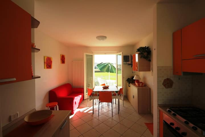 Delightful apartment for 4 people. near the sea