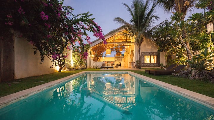Stylish 3bdr/2.5Bath Villa Private Pool near Beach