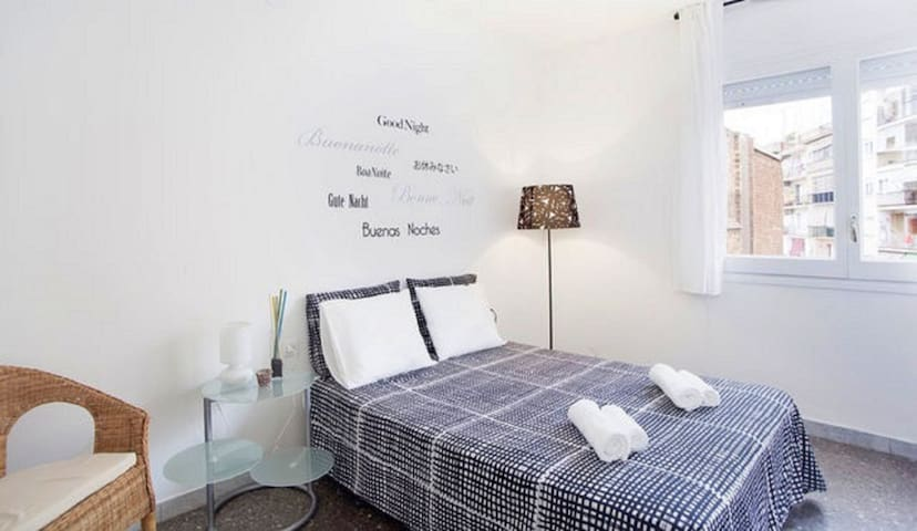 COMFORTABLE APARTMENT NEAR PLAZA ESPAÑA