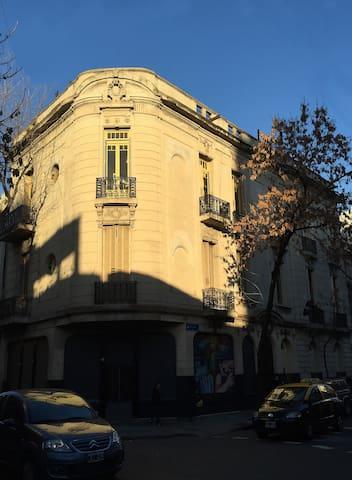 Luminoso cuarto casa de estilo reciclada a nueva - Buenos Aires - Talo