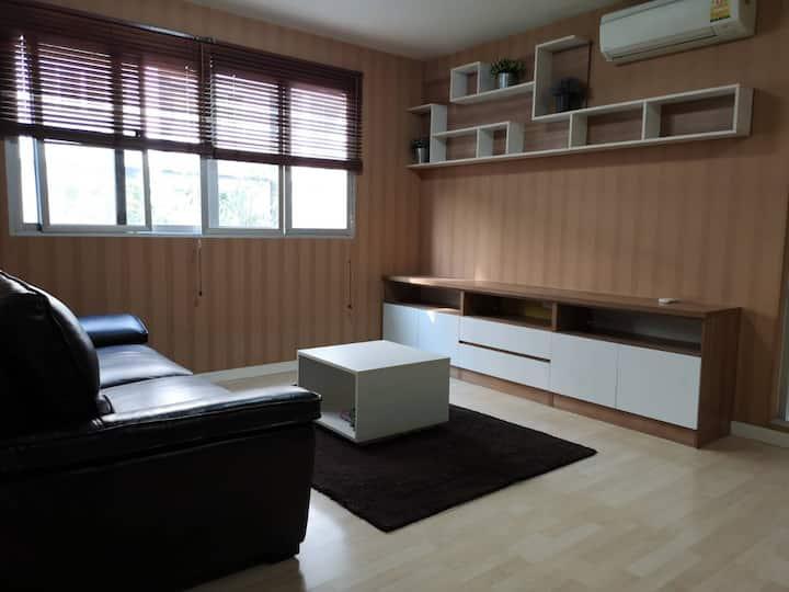2ห้องนอน2ห้องน้ำสระว่ายน้ำฟตเนส10นาทีถึงเซนทรัล