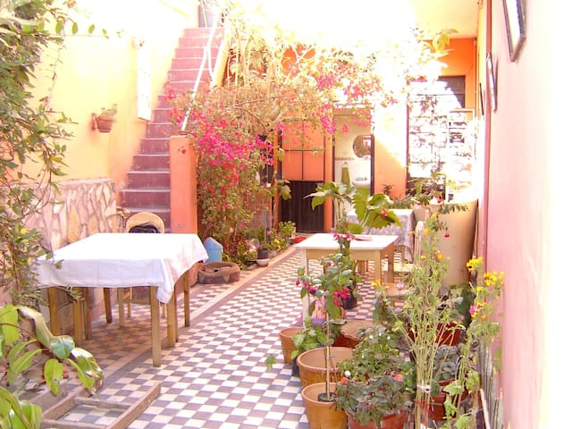 Room in charming house with patio - Arequipa - Huis