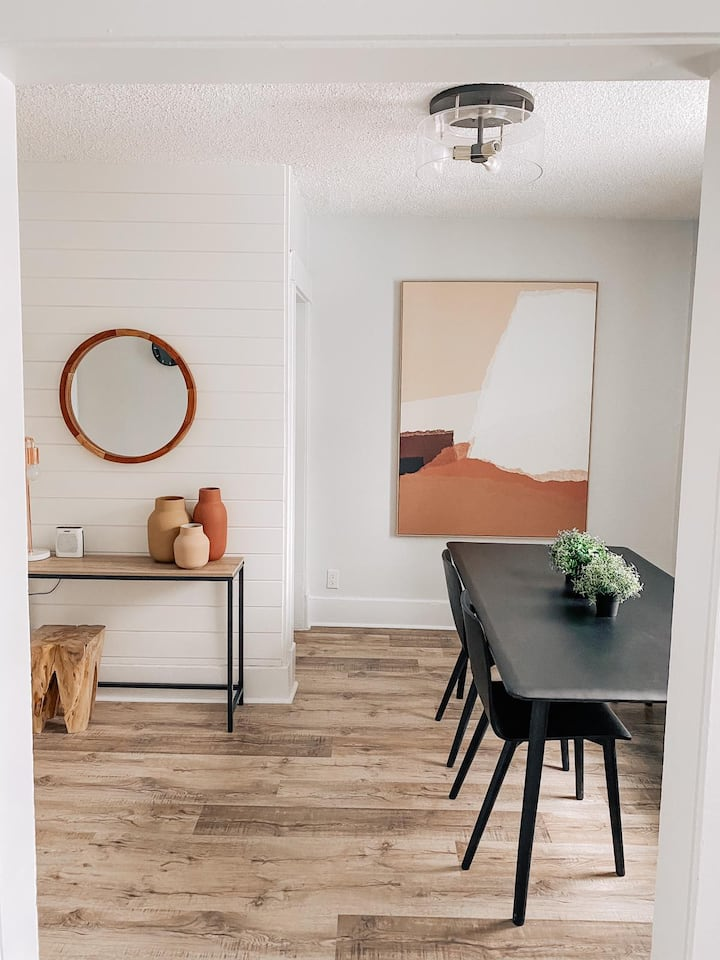 Comfortable and trendy two-floor boutique suite