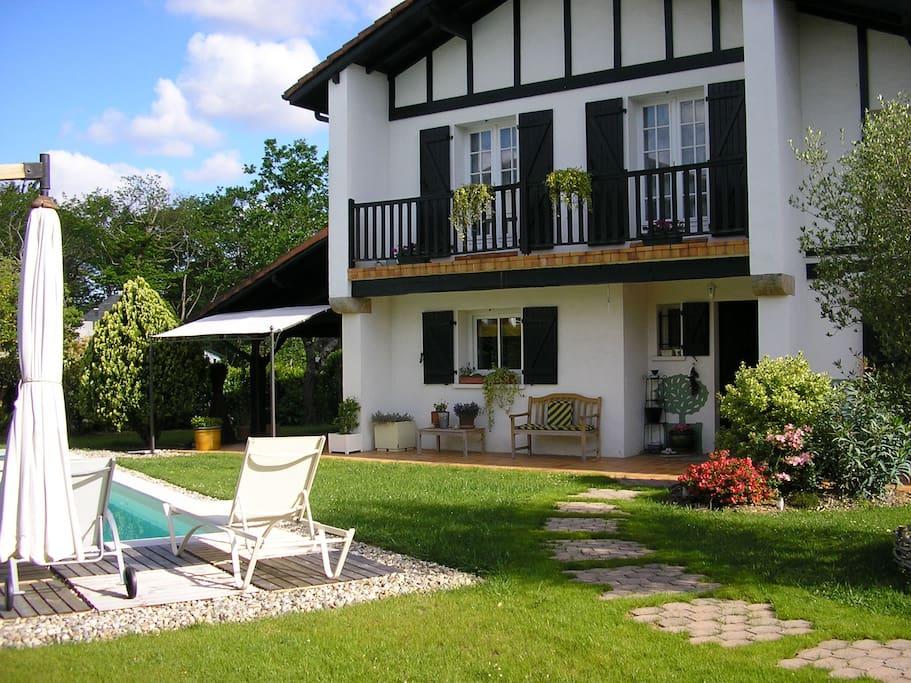 Grande maison basque avec piscine maisons louer for Piscine ustaritz