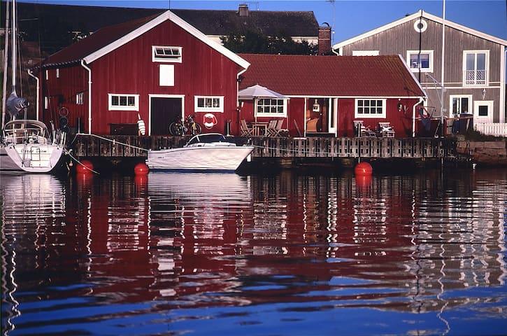 Beachhouse / sjöbod Hovenäset SW