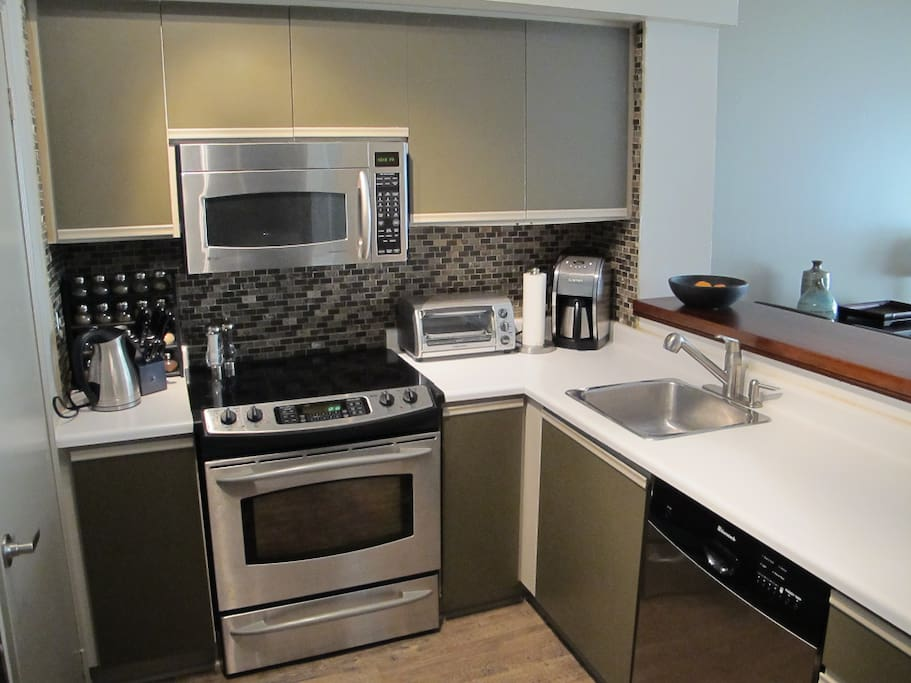 All appliances and dishware included.