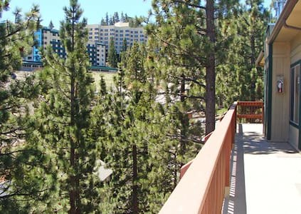 1 bed/1 bath within walking distance to ski resort - Stateline