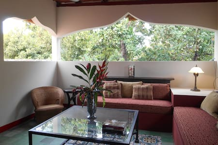 Exotic Tree Top retreat w/pool - Granada - Casa