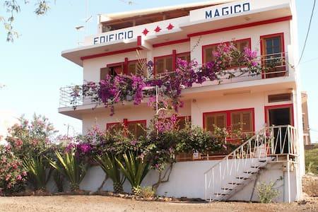 edificio magico Apart-hotel - Tarrafal de São Nicolau - Bed & Breakfast