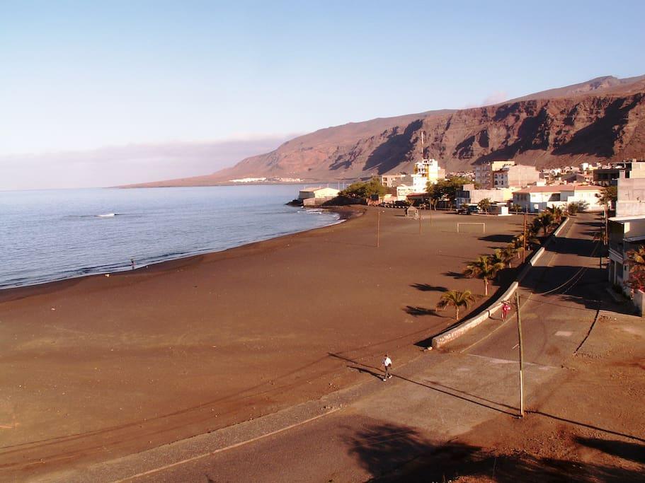 vista spiaggia dall'edificio magico