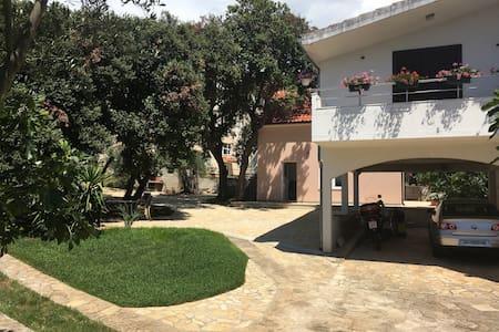 Apartment Lilly 4+2 - Leilighet