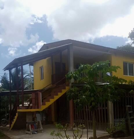Riverside Home (room 2) - Santa Elena