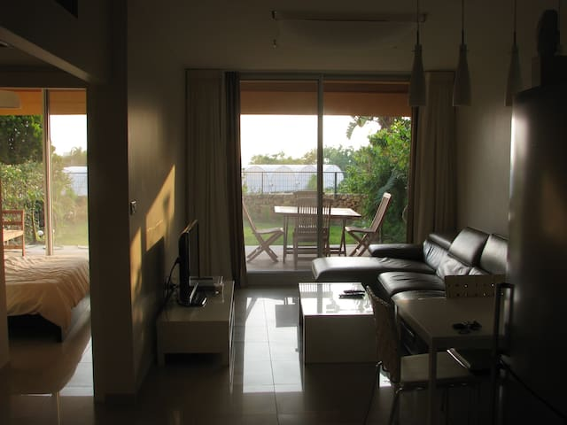 Garden Apartment with seaview - Caesarea - Apartamento